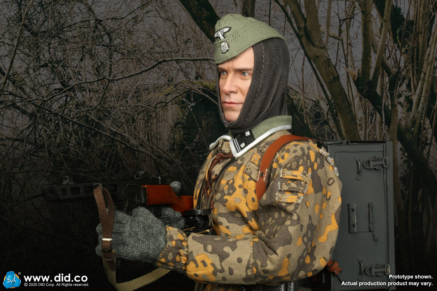 DID D80143 1//6 20th Waffen Grenadier Division B Radio Operator  Figure Head