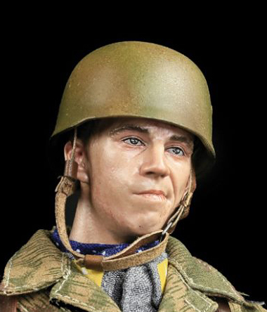 Young Male Head Sculpt (Smirking)<BR>PRE-ORDER: ETA Q4 2019