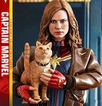 Captain Marvel (Deluxe Version)