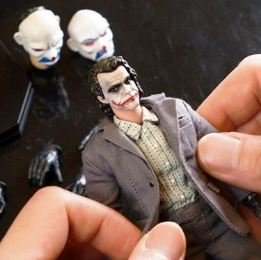 Bank Robber Joker (1:12 Scale)<BR>PRE-ORDER: ETA Oct. 2019<br>WAIT LIST
