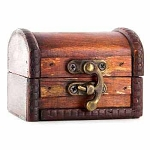 Wooden Trunk (Small, Reddish Brown)