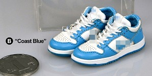 Dunk Low Sneakers (Light Blue/White)<BR>PRE-ORDER: ETA Q2 2021